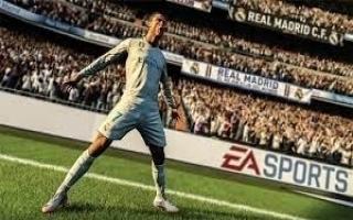 Speel als verschillende voetbalsterren ,zoals coverstar Ronaldo!